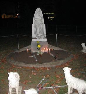 Bernadette Statue Lourdes